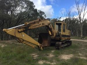 25 tonne CAT 225 LC Excavator