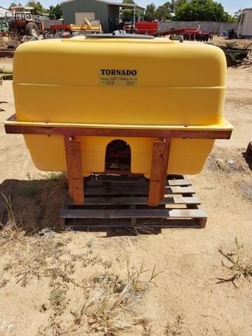 Tornado Spray Tank & Pump