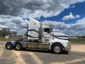 Kenworth T608 with Hydraulics