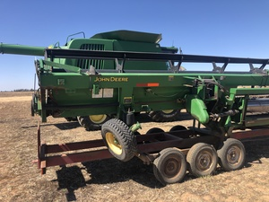2005 John Deere 9860 with 36ft Draper front