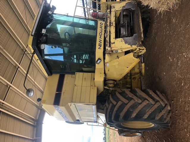 New Holland TR97 Header