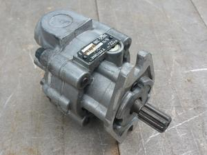 Hydraulic Motor for Fan on Flexicoil 1110 seeder cart