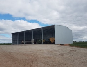 2500 SERIES ENTEGRA HAY SHED - (2500 8x4x3 bales). ENQUIRE AT THE PAC.
