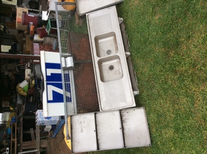 Under Auction - Under Auction (A129) - Locker, Gate, Sink and Stainless Steel Trays - 2% + GST Buyers Premium On All Lots