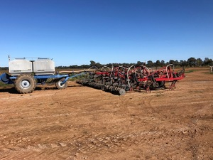 WANTED 35ft Seeder Bar & Air Cart Central NSW