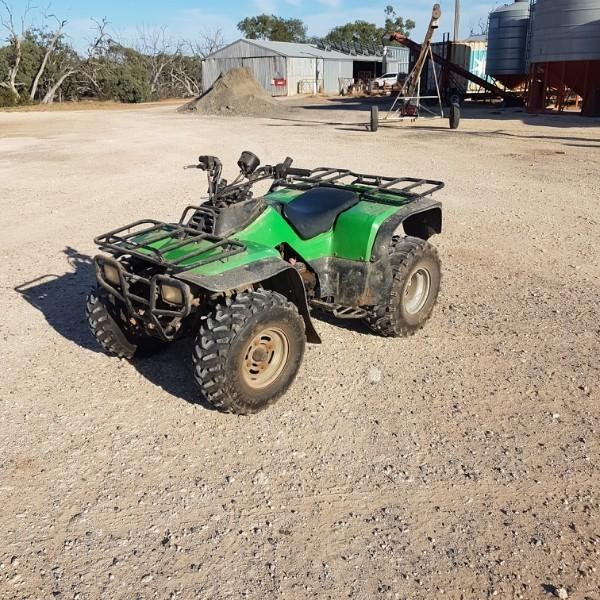 Kawasaki quad 300cc