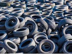 Free tyres for silage stacks