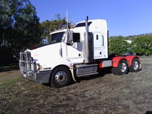 Kenworth 401 Prime Mover