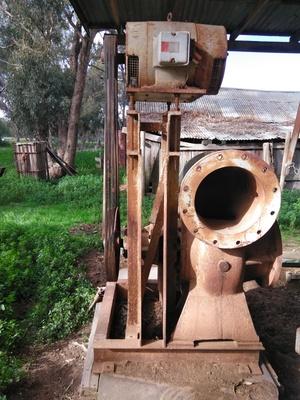 Kelly & Lewis irrigation pump