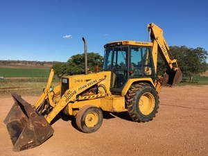 John Deere 310D Backhoe - 2% Buyers Premium on all Lots