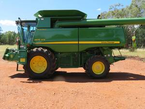 2010 John Deere 9670 STS Header with 36ft Honeybee Front & Trailer