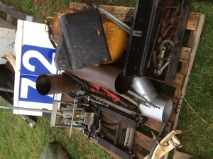 Under Auction - Under Auction (A129) - Quad Bike Jack, D Shackles, Travel Jack and More - 2% + GST Buyers Premium On All Lots