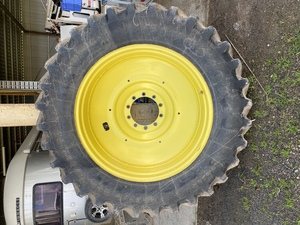 Rims and Hubs off a JD 8220