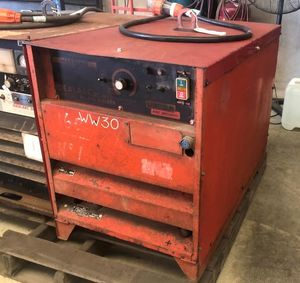 Lincoln DC400 Welder