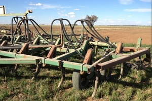 WANTED Chisel Plough / Seeder Bar 30-40ft