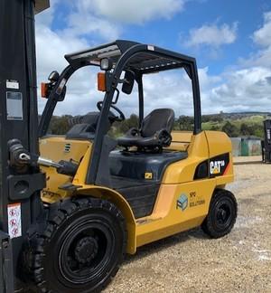 Under Auction - (A146) - 5 Tonne Cat  DP50CN Forklift - 2% + GST Buyers Premium On All Lots
