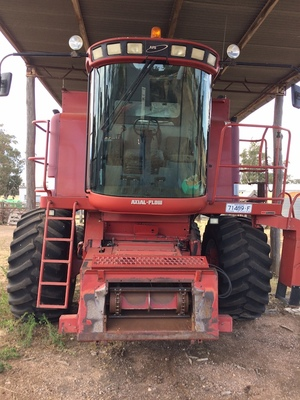 Under Auction - Under Auction (A127) - 2000 Case IH 2366 Header with Case 1010 25ft Front - 2% + GST Buyers Premium On All Lots