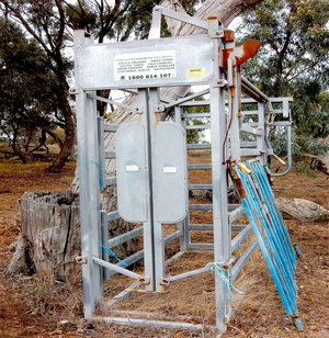Cattle Crush -  Arrow Farm Quip Galvanized steel Cattle Crush All Steel.