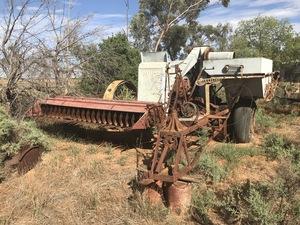 Under Auction - (A134) - Vintage Sunshine Header Harvester - 2% + GST Buyers Premium On All Lots