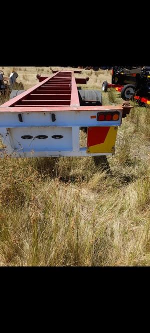 single axle skel trailer