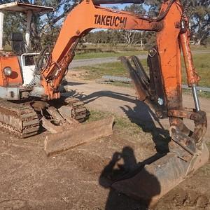 Excavator 2.5t Takeuchi