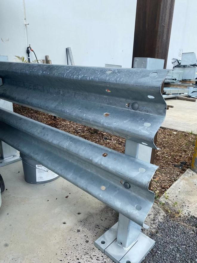 Low Cost Quality second hand Farm Fencing/Guardrail/Armco/Retaining Wall