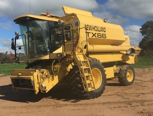 1998 New Holland TX66 & 36ft Honey Bee Front With Heavy Duty Trailer. Only 1 Owner.