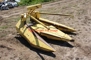 Wanted Twin row corn head to suit New Holland 717 forage harvester
