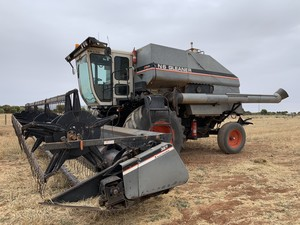 N6 Gleaner with 3x fronts and trailer - Price Negotiable, all genuine offers considered