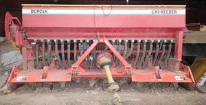 Kuhn Power Harrow - Duncan Uni seeder