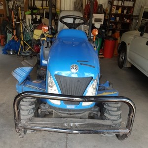 New Holland Boomer 1025 4x4 mower/tractor