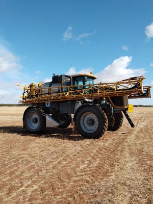 Under Auction - (A135) - 2012 Rogator 1300B Self Propelled Sprayer - 2% + GST Buyers Premium On All Lots
