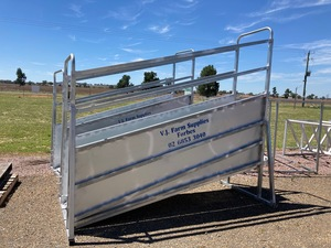 Under Auction - (A131) - New Cattle Ramp - 2% + GST Buyers Premium On All Lots