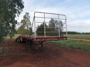 1980 Loadmaster 43ft 6 Inch Flat Top Trailer