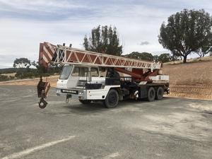 22.5 TONNE Mobile Crane