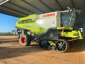 CLAAS Lexion 770tt with payment terms.  2000 Rota hrs