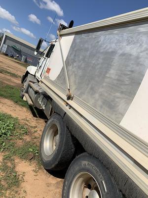 Mack Fleetliner Truck and Super Dog
