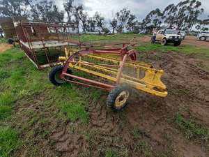 Under Auction - New Holland Roller Bar Rake - 2% + GST Buyers Premium On All Lots