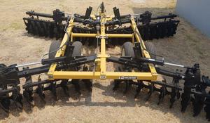 Taylor-Way 350 Wing Fold Tandem Disc Harrows 48 Plate (NEW)(5.3 m Cut) Built in the USA, 24