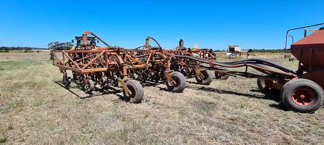 2002 Gyral 8m Seeder Bar