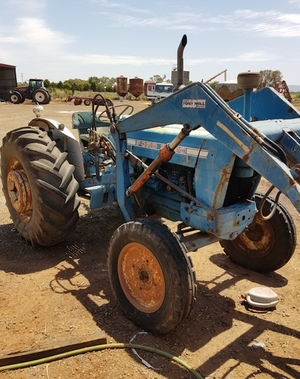 1975 Ford 5000 with Front End Loader, Forks and Bucket