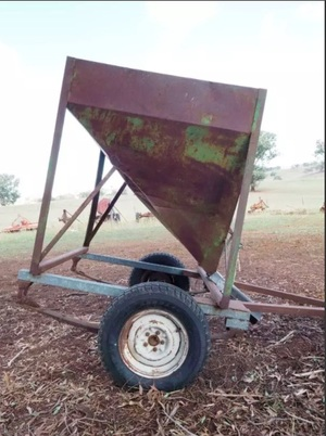 Grain Feed-Out Trailer