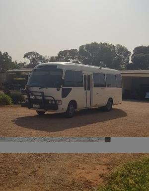 2000 Toyota Coaster Bus