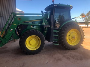 John Deere 7230R Tractor with H480 Loader. 2020 Model 466 .1  hours  Farm Leased