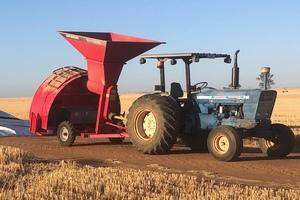 Akron E9700HE Grain Bag Inloader